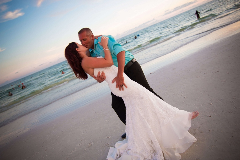 lauren & chad beach wedding